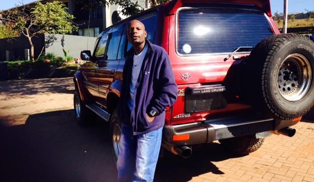 ザンビアのお客様から写真が届きました!(トヨタ/ランドクルーザー)