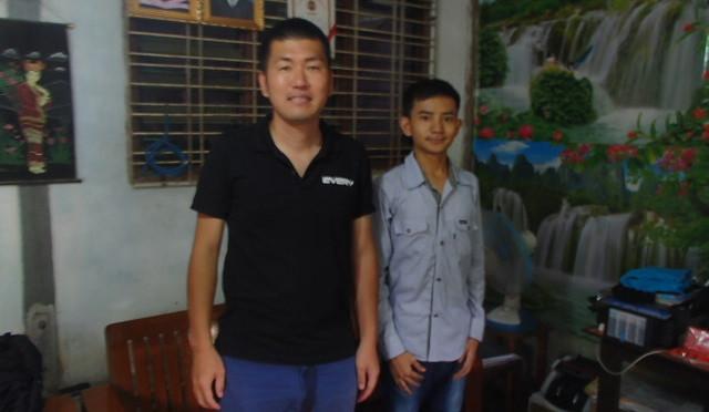 ミャンマーのお客様との写真